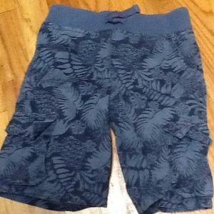 Boy's 5T Hawaiian/Floral Print Pull On Shorts, EUC